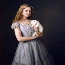 As lindas roupas do filme Alice no País das Maravilhas