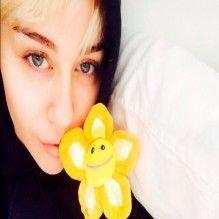 Miley Cyrus comenta sua passagem pelo hospital